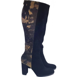 High heels boots with effect